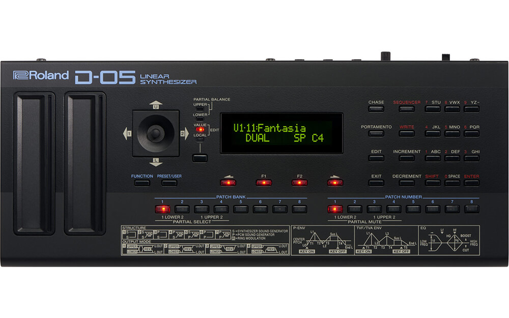 картинка Roland D-05 Boutique Linear Synthesizer от магазина Multimusic